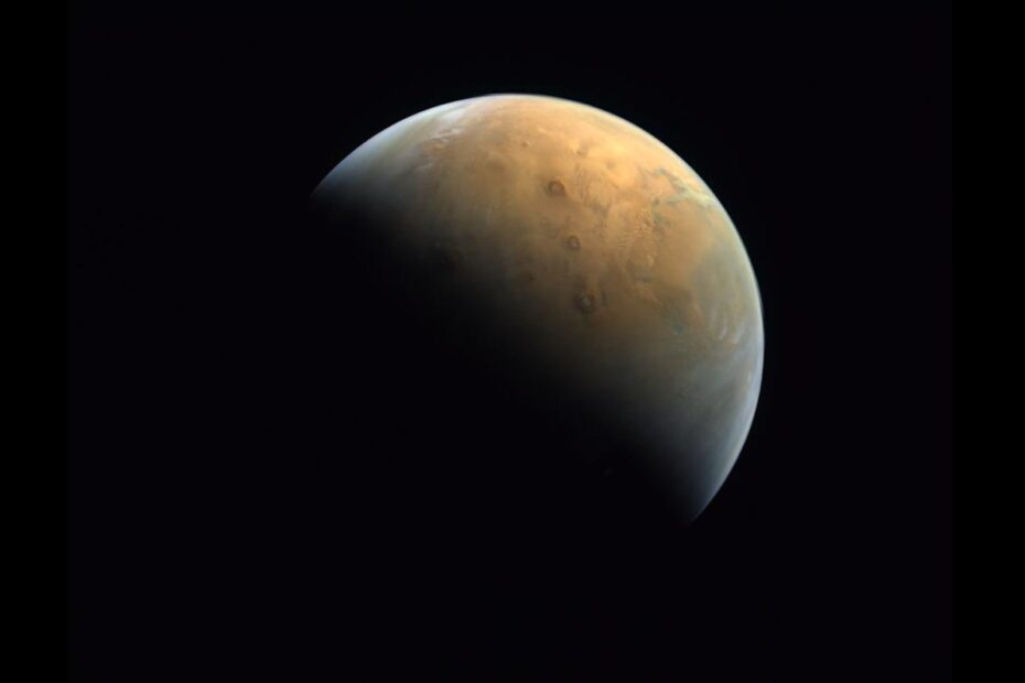 UAE's Hope Mars Probe Sends Home Its First Image of the Red Planet