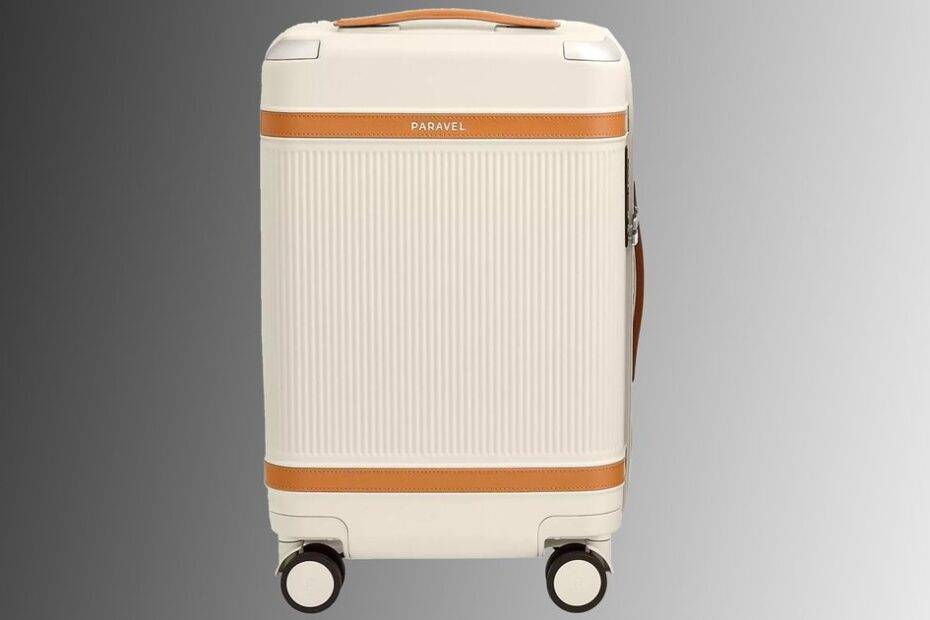 Plan for your post-pandemic vacation by saving 15% on Paravel sustainable luggage