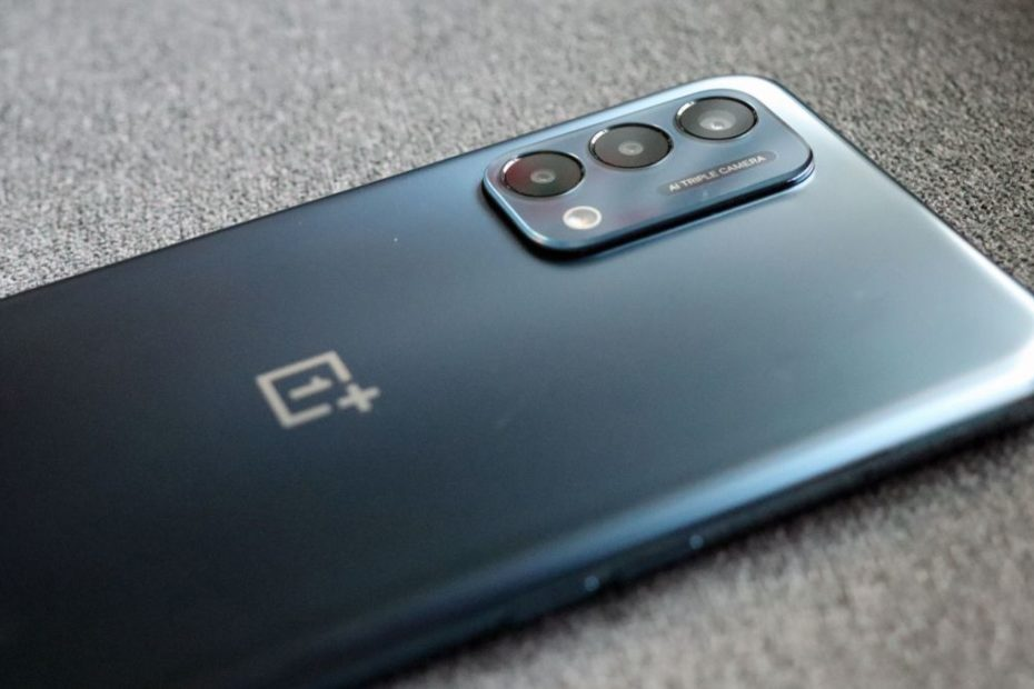 OnePlus Nord 2 5G's likely design and color shown off in a new render