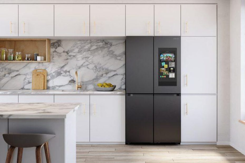 Samsung's Family Hub fridge now comes with Alexa built-in