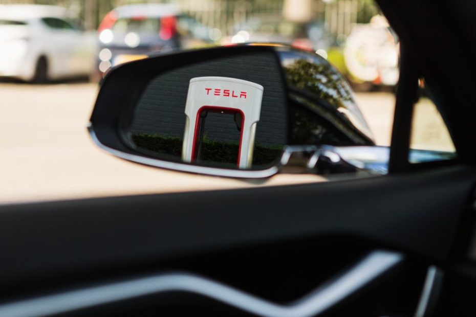 Tesla to open Supercharger network to other electric cars later this year