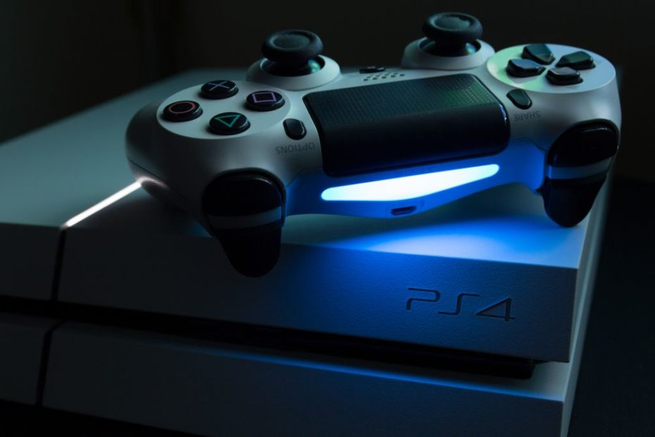 Sony finally fixes the PS4 system clock battery issue