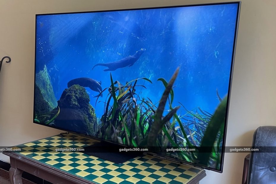 Samsung 55-inch Neo QLED Ultra-HD Smart TV (55QN90A) Review: The Flagship 4K Experience