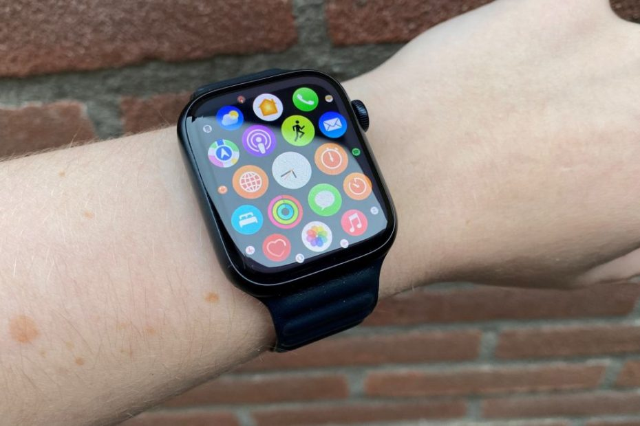 Apple Watch 8 again tipped to have blood glucose monitoring
