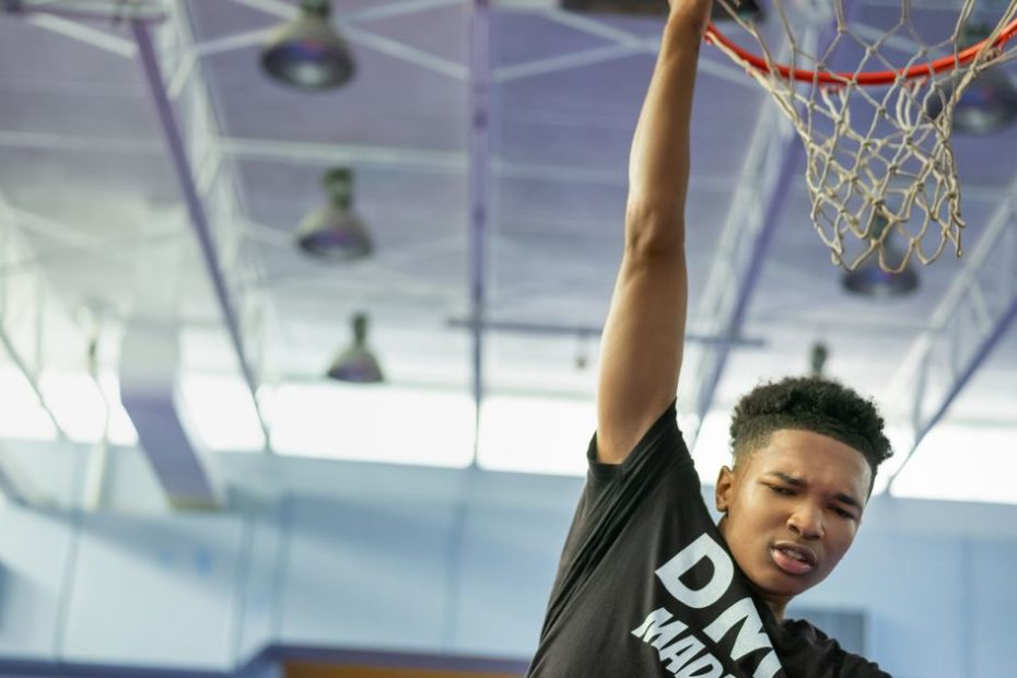 Kevin Durant's Swagger trailer dunks on youth basketball for Apple TV Plus