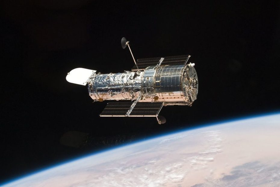 NASA: Glitch forces Hubble Space Telescope into safe mode